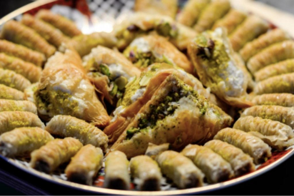 marché-de-noel-strasbourg-refugee-food-festival