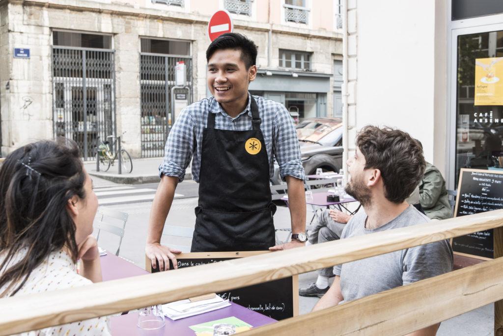 restaurant-lyon-refugee-food-festival-lyon-2018-café-arsene-x-chef-shahirul-bin-ahmad-hanafiah-malaisie-cred-annebouillot-111